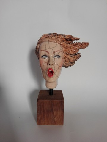 Mélanie Bourget - Little head on wood base